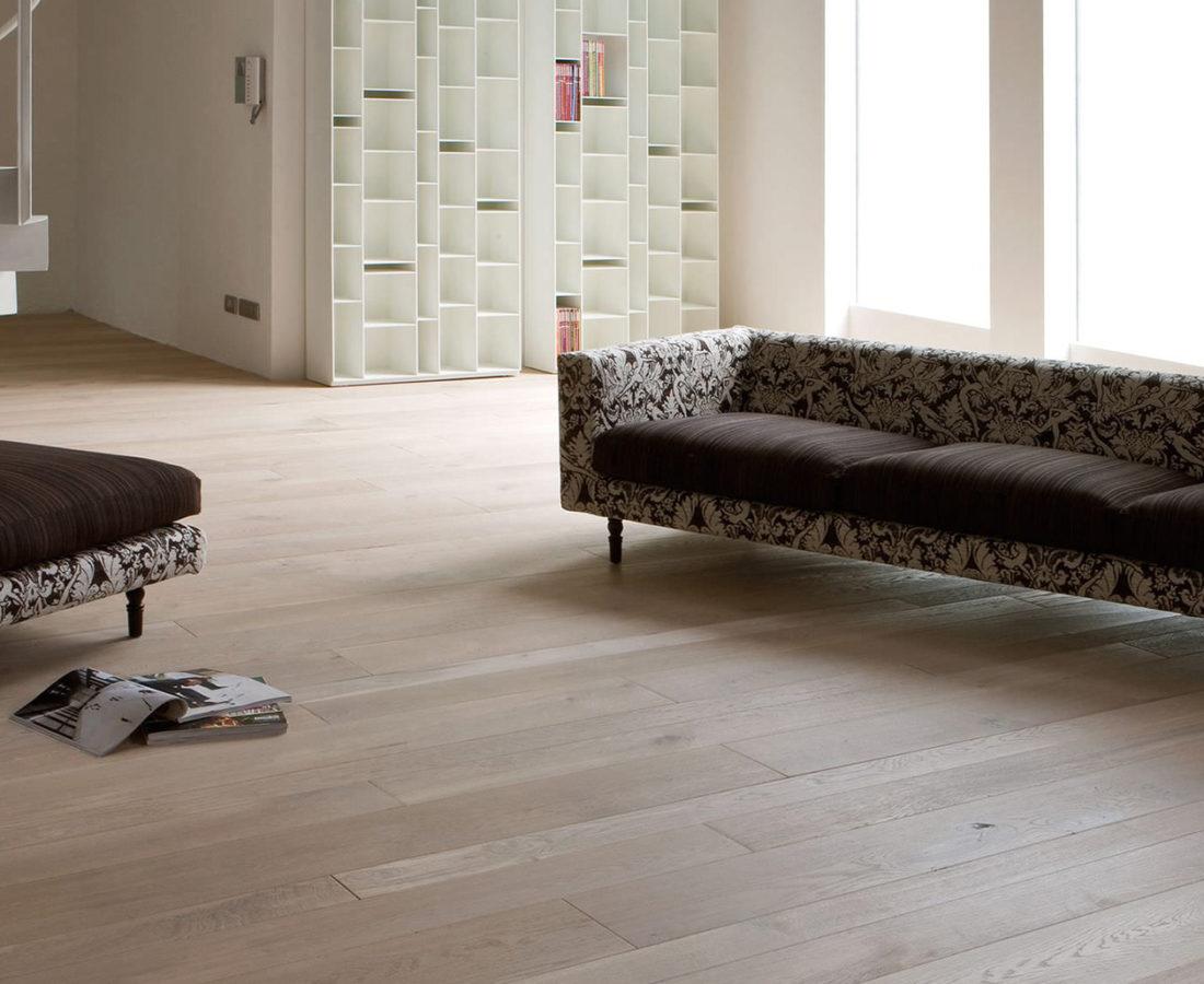 pavimento effetto legno parquet chiaro